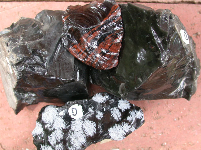 Pics For > Images Of Obsidian Rocks